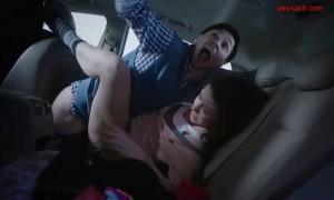 Секс с Викторией Заболотной на заднем сиденье авто