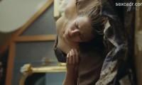 голая Любовь Аксенова после изнасилования