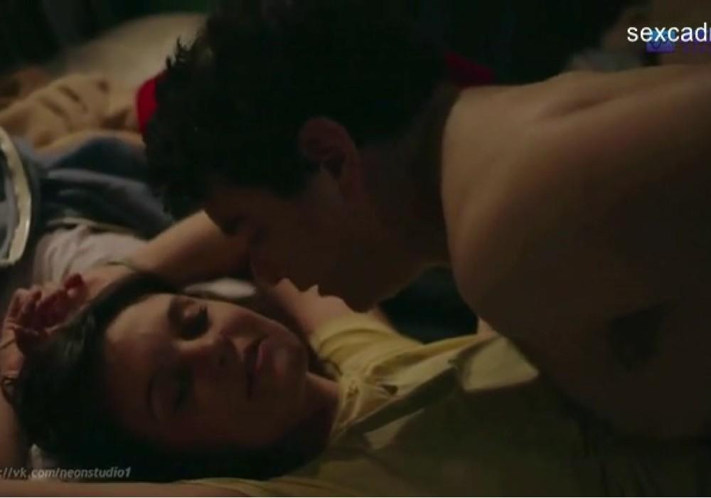 Зрелая тетка ебется с молодым мужчиной. Порно и секс видео.
