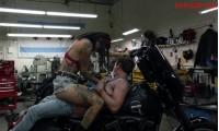 Секс с Леви Трэн на мотоцикле