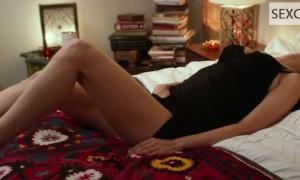 Видео как Хизер Грэм мастурбирует