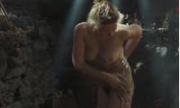 Полностью голая Дарья Екамасова в бане