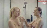 Александра Ребенок и Мария Фомина голые в душе
