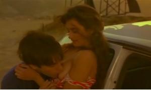 Поцелуи обнаженной груди Пенелопы Крус