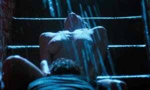 Горячий секс с Ким Бэсинджер под дождем