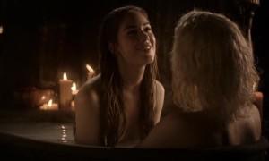 Эротическая сцена в ванной с Роксанной МакКи