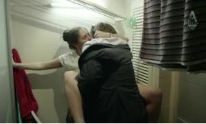 Секс с Марией Шумаковой на стиральной машинке