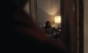 Кристен Стюарт с голой грудью