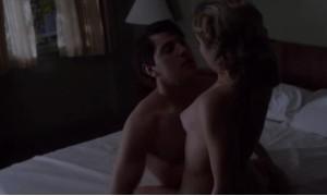 Сцена секса с Роуз МакАйвер