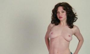Фотосессия Аманды Сейфрид с обнаженной грудью