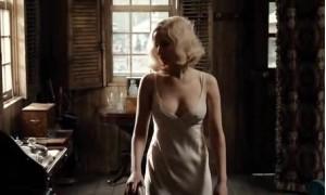 Дженнифер Лоуренс в прозрачной ночнушке