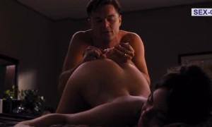 Натали Бенсел с голой попкой
