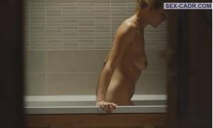 голая Александра Ребенок в ванной