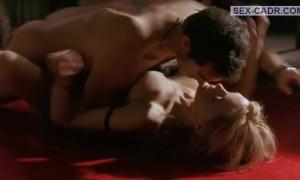 Страстный секс с Хизер Грэм на полу
