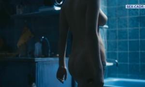 Полностью голая Анна Старшенбаум