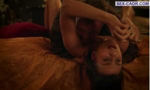 Секс с Ириной Вилковой с гранатой в руке