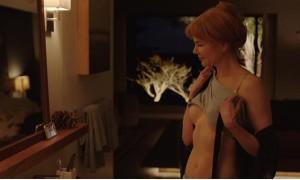 Николь Кидман показывает свою грудь