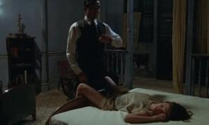 Джейн Марч раздвигает свои ножки