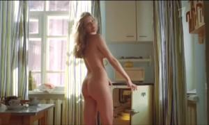 Полностью голая Анна Чиповская