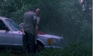 Секс с Дрю Бэрримор на капоте машины