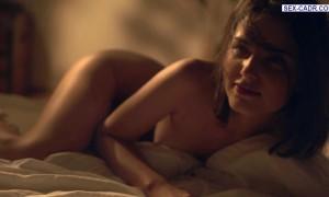 Михалина Ольшанская голая нежится в постели