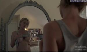 Кэтлин Робертсон Голая перед зеркалом