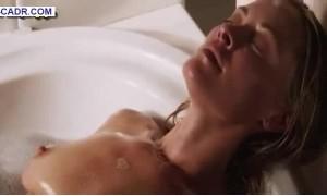 Кристанна Локен голая в ванной