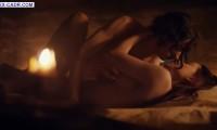 Таисия Вилкова и Юлия Франц в сцене секса